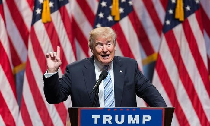 """La victoria de Trump """"prolongaría y exacerbaría las incertidumbres políticas actuales"""", lo que podría desatar una desaceleración de la economía de Estados Unidos."""